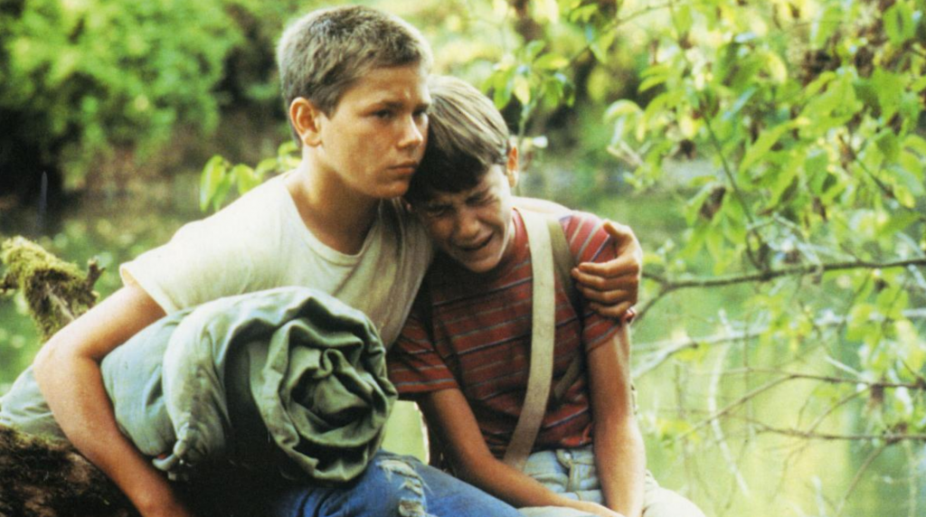 River Phoenix and Wil Wheaton in the summer adventure Stand By Me